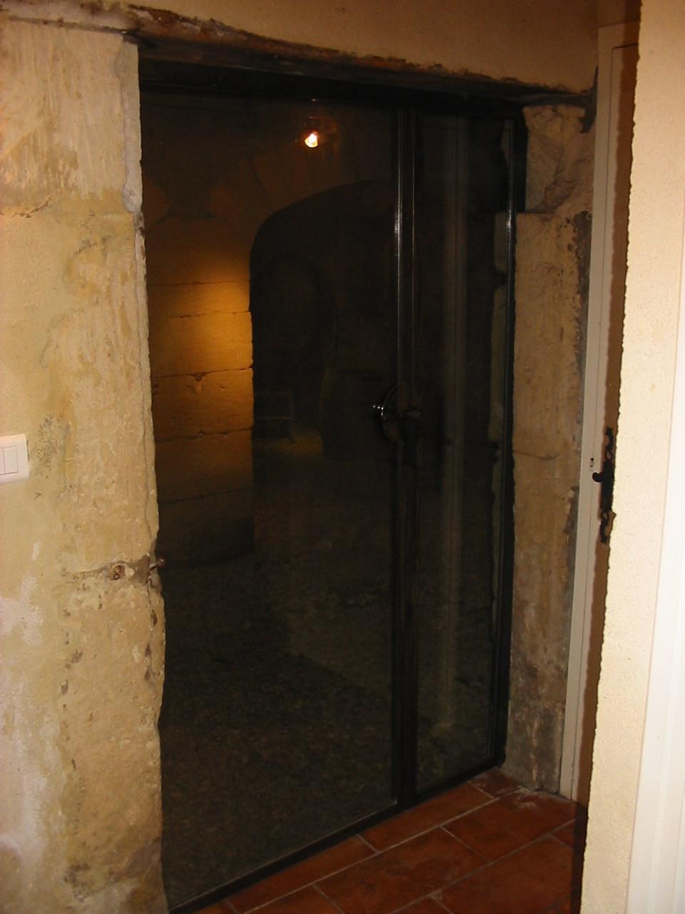 Porte de cave vins fullmetalart for Porte cave